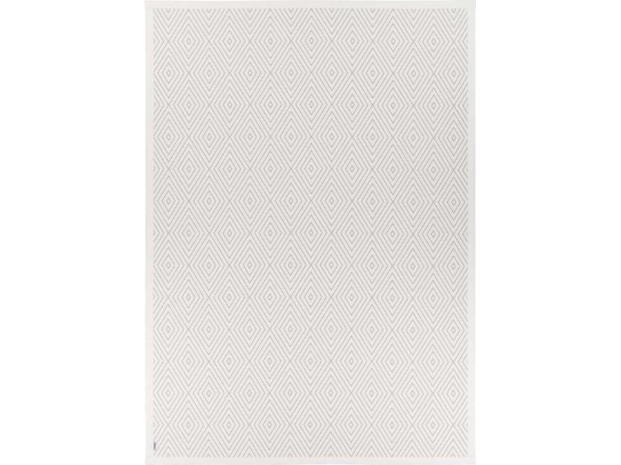 KALANA WHITE