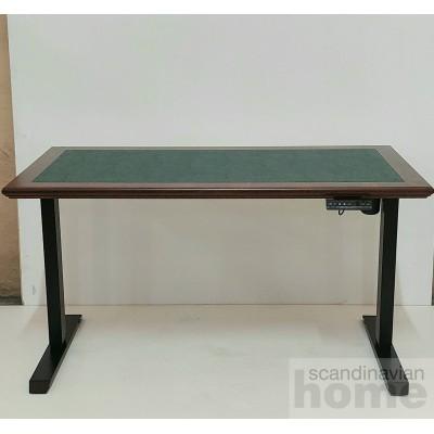 Класичний офісний стіл з регульованою висотою