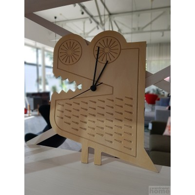 Годинники дерев'яні в асортименті