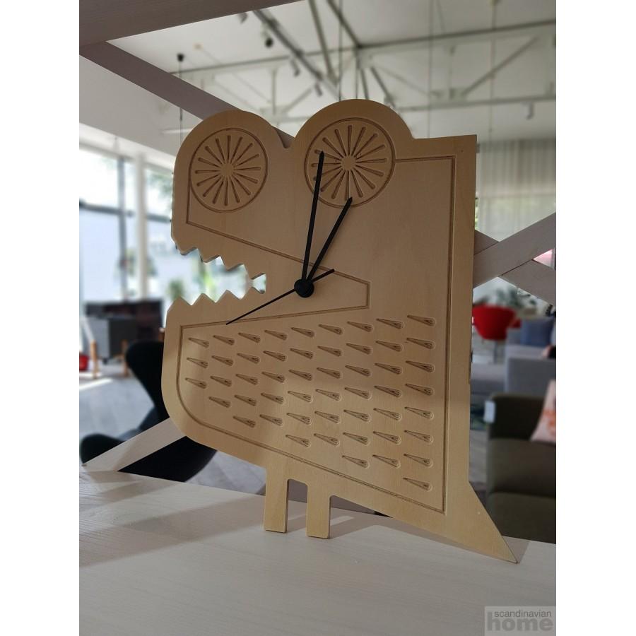 Wooden clocks in assortment
